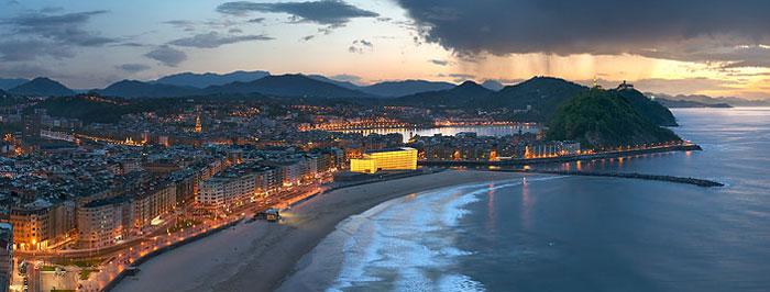 Donostia-San Sebastián LA ZURRIOLA 海滩