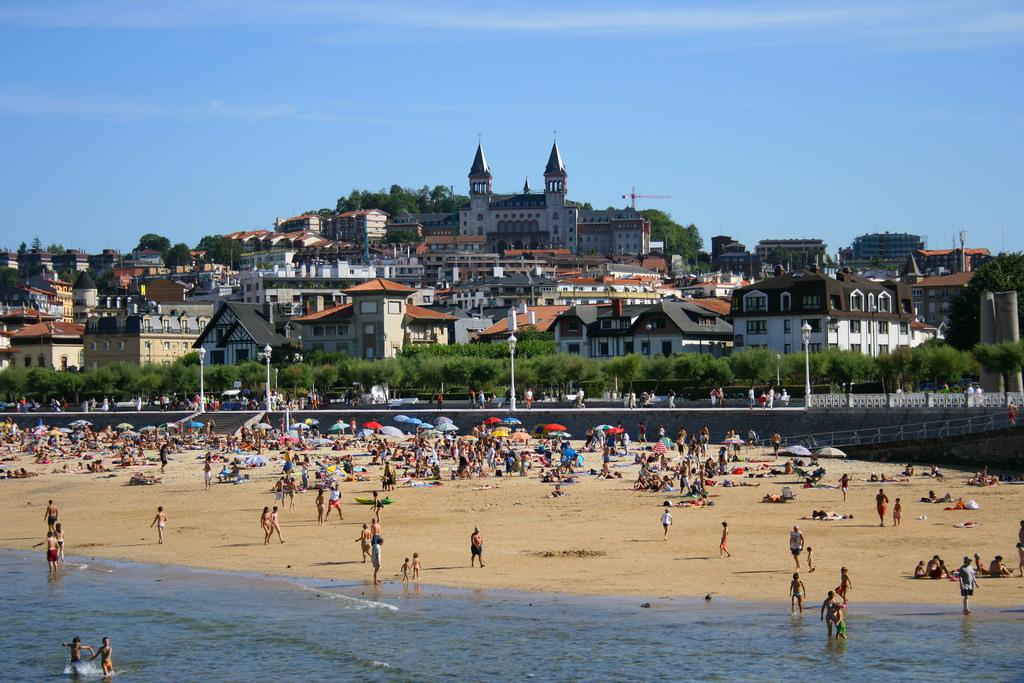 Donostia-San Sebastián ONDARRETA 海滩