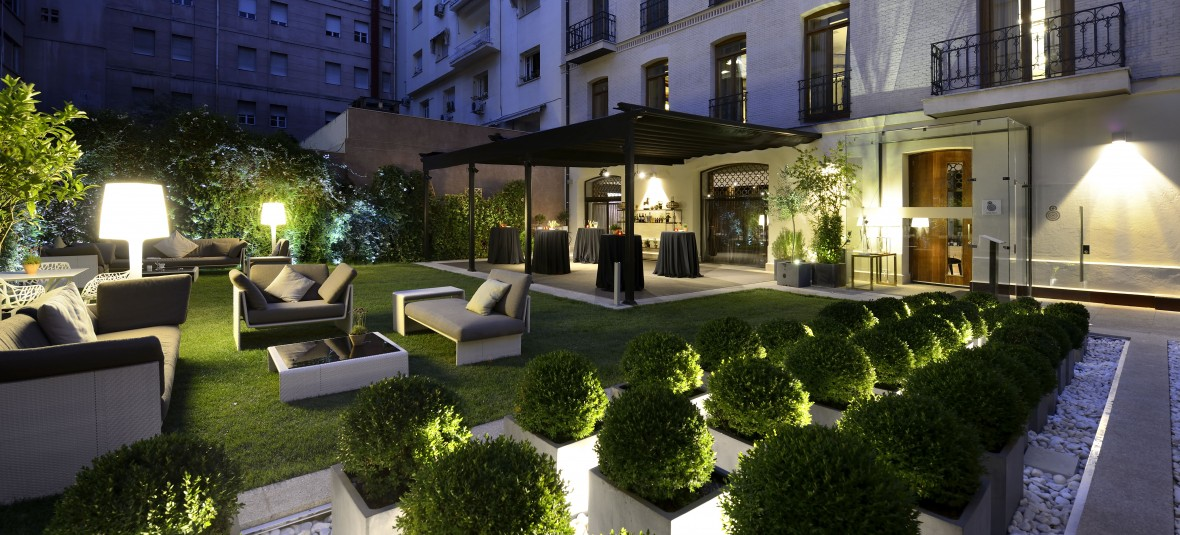 Garden-restaurant-entrance-1180x535
