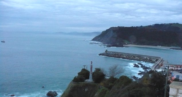 Mutriku SATURRARÁN 海滩