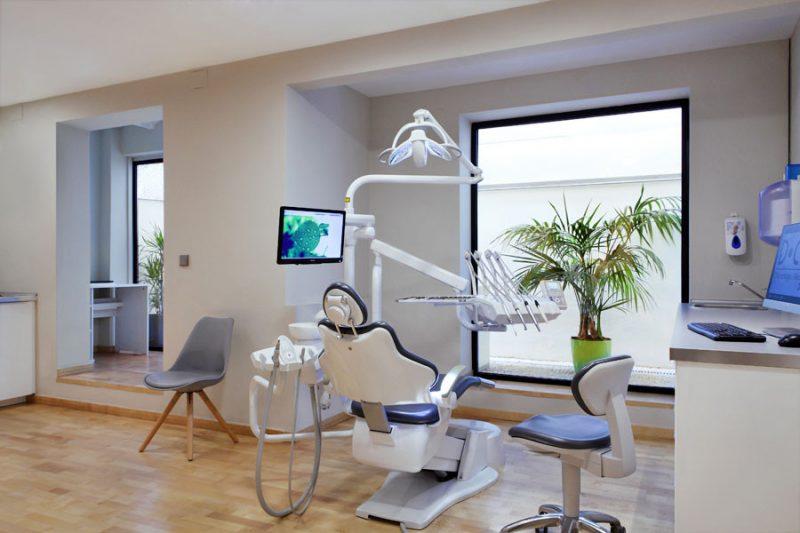 西班牙第一家有华人口腔医生的牙科诊所